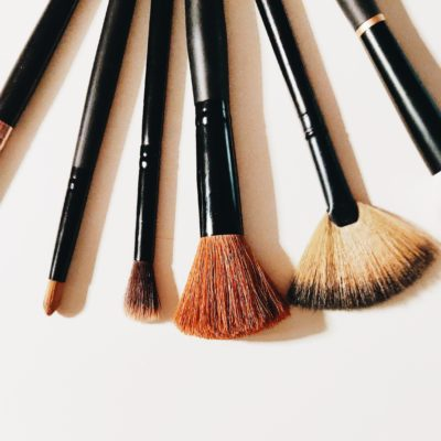 How to Use Makeup Brushes to Easily Apply Cosmetics